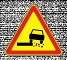 Временный дорожный знак 1.19 «Опасная обочина»