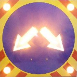 Светодиодный дорожный знак 4.2.3, на щите (1200х1200), 4 стробоскопа - Фото 1